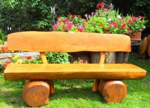 Gartenbank holz massiv  Holzbank massiv - Ein edler Hingucker im Garten - Alle Infos ✓